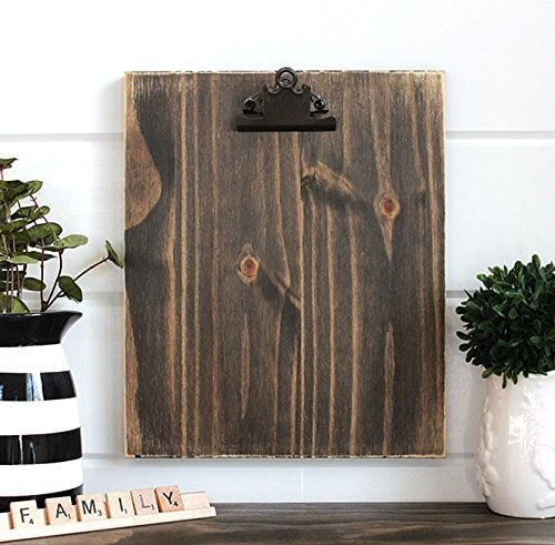 Use this rustic clipboard frame for your Farmhouse printable wall art.