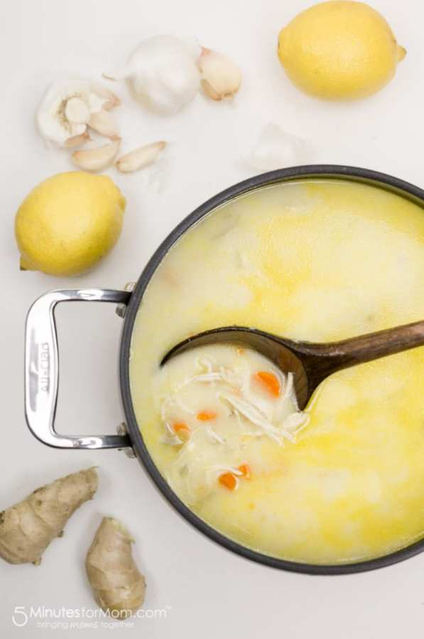 This lemon ginger chicken soup has immune boosting ingredients to help your body stay healthy. #soup