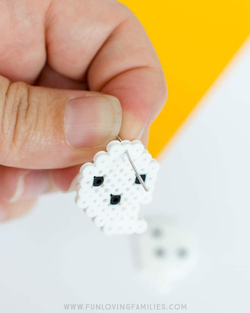 Make cute Halloween Perler bead earrings! Click through for the details.