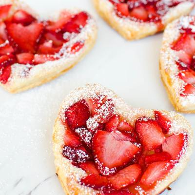 Easy Puff Pastry Strawberry Hearts