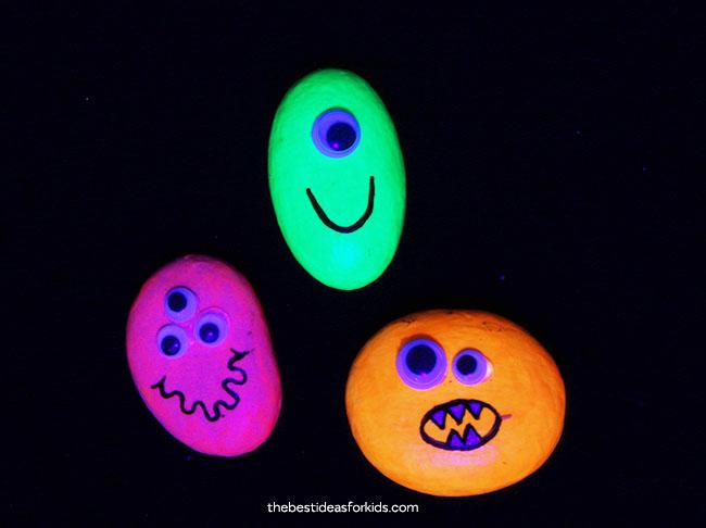 glow in the dark rocks