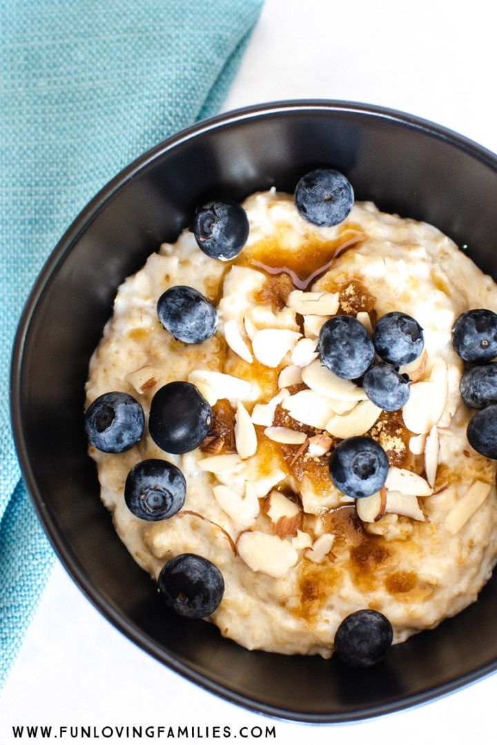 instant pot oatmeal with blueberries