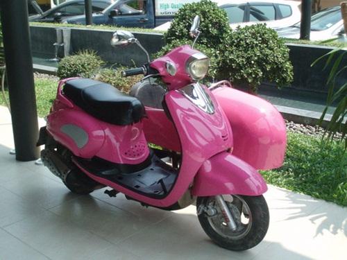 cute-pink-teenage-girl-stuff- (1)