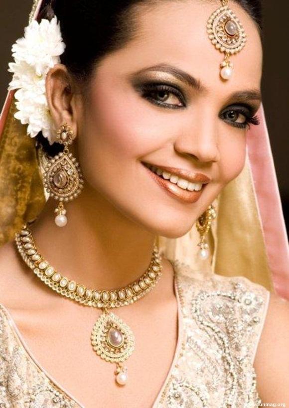 amina-sheikh-bridal-makeover-for-huma-ali- (1)