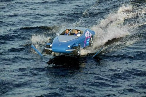 rinspeed-splash-sports-car-and-speed-boat- (18)