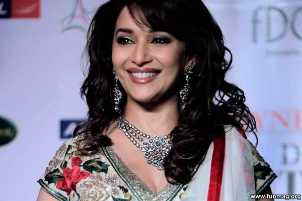 photos-of-madhuri-dixit- (6)
