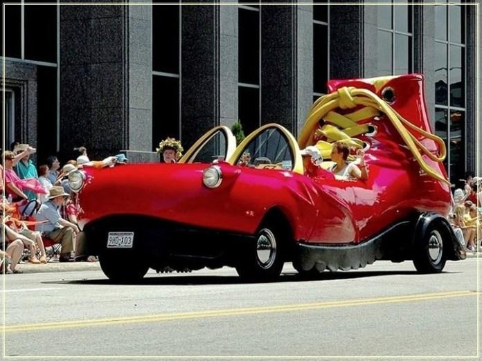 weird-car-parade-in-houston- (2)