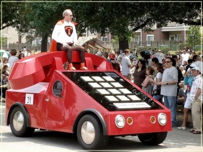 weird-car-parade-in-houston- (4)
