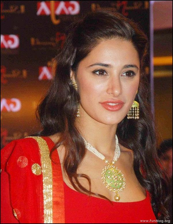nargis-fakhri-in-red-indian-dress- (18)