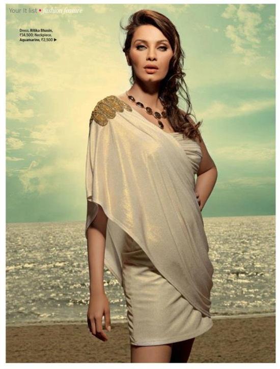 diana-hayden-photoshoot-for-femina-magazine-2012- (4)
