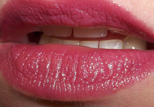 shiny-lips-pictures- (4)