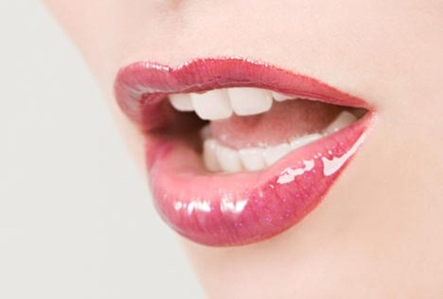 shiny-lips-pictures- (10)