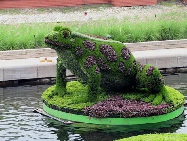 topiary-animals- (5)