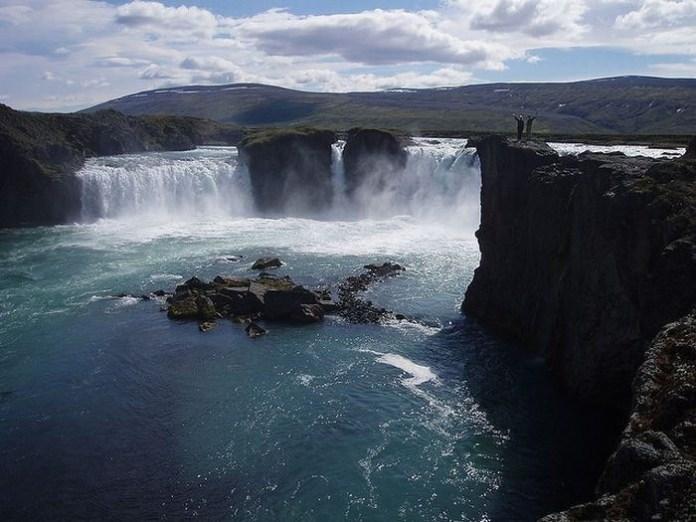 beautiful-waterfall-21-photos- (8)