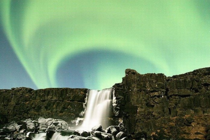 beautiful-waterfall-21-photos- (12)