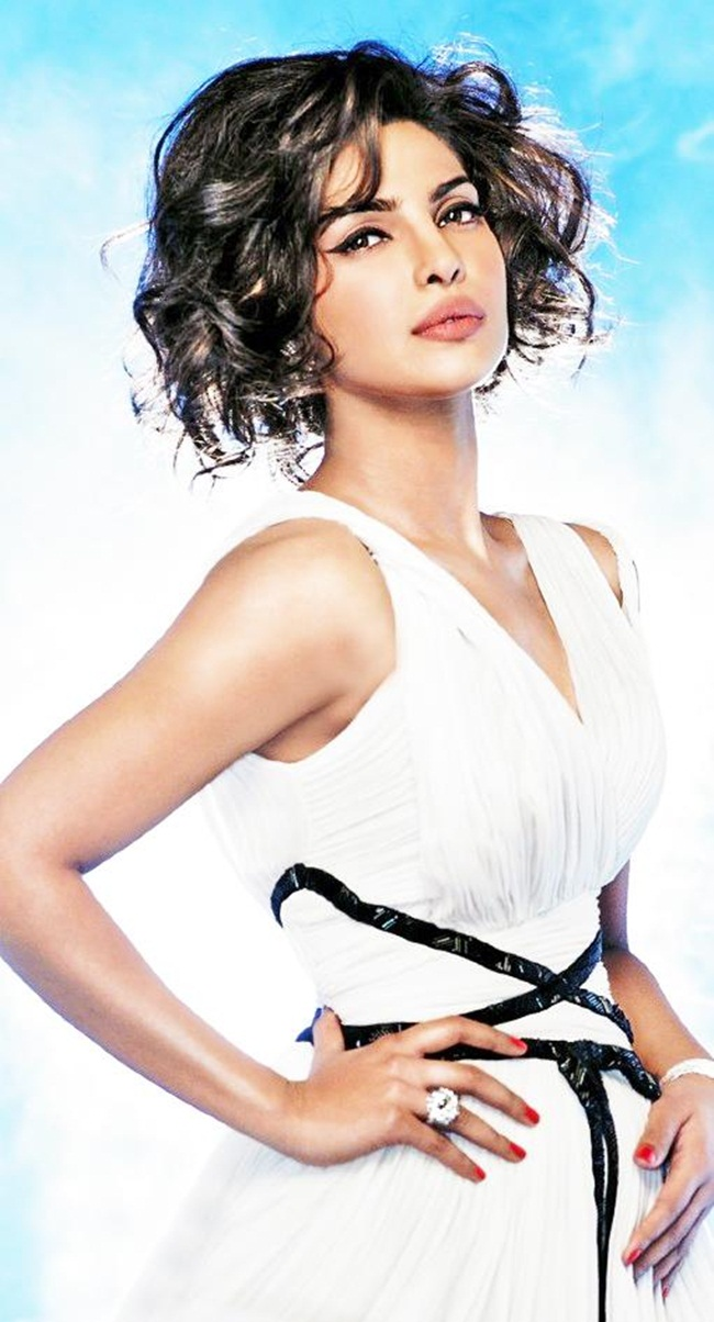 priyanka-chopra-photoshoot-for-hello-magazine- (3)