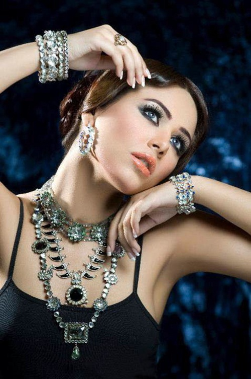 amber-ali-latest-jewelry-designs-with-ayyan-ali- (3)