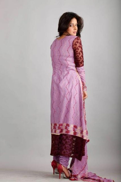 dawood-lawn-collection-2012-jami-motif-embroidery- (4)