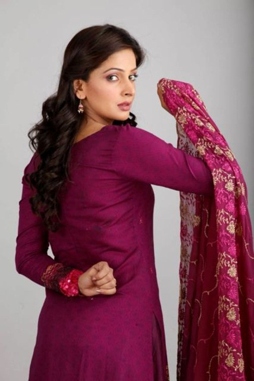 dawood-lawn-collection-2012-jami-motif-embroidery- (16)
