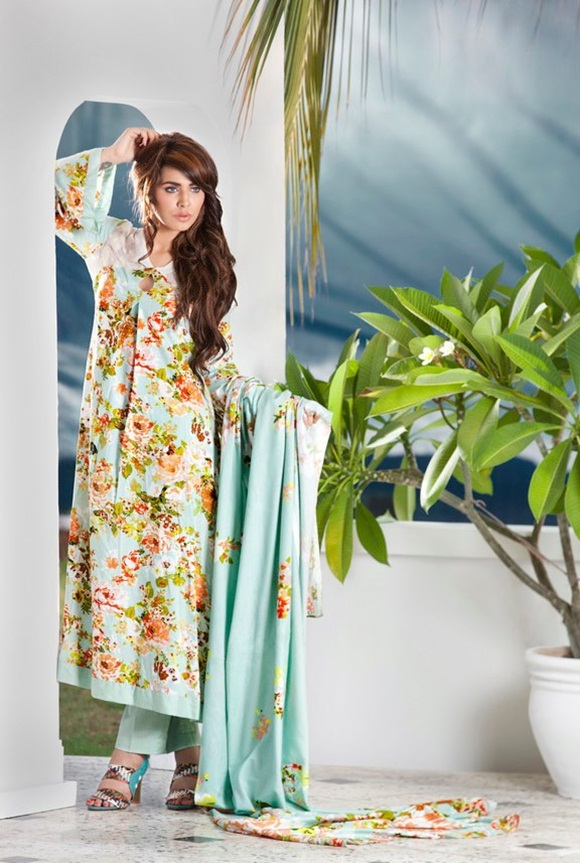 firdous-paris-linen-winter-collection-2012-with-ayyan-ali- (22)
