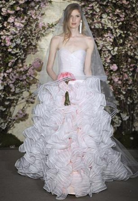 traditional-wedding-gowns- (3)