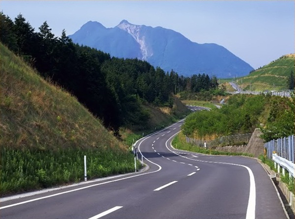beautiful-roads-of-the-world- (13)