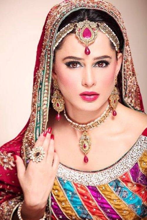 mehreen-raheel-bridal-makeover-by-makeup-artist- (1)