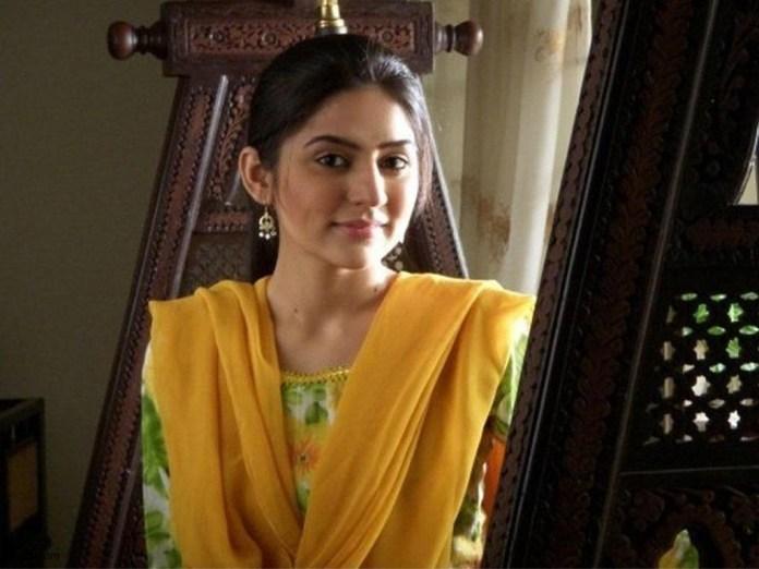 pakistani-actress-sanam-baloch-photos-28