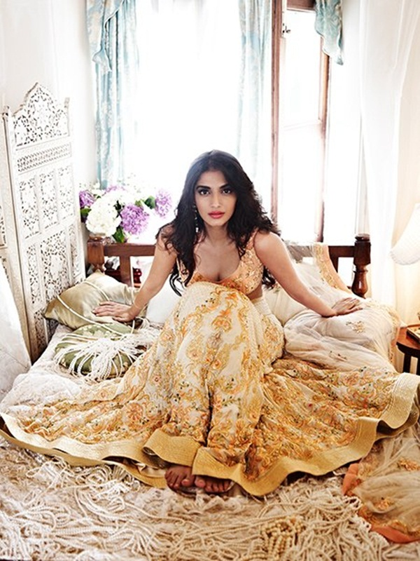 sonam-kapoor-latest-photoshoot-for-shehla-khan- (4)