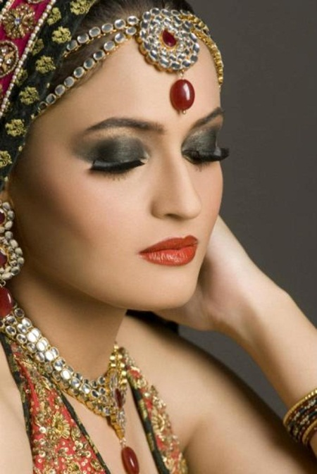 best-bridal-makeup- (7)