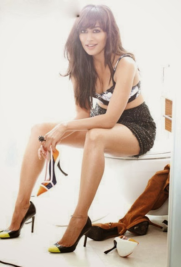 chitrangada-singh-photoshoot-for-fhm-magazine-december-2013- (4)