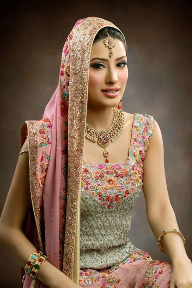 mehwish-hayat-new-photos-14