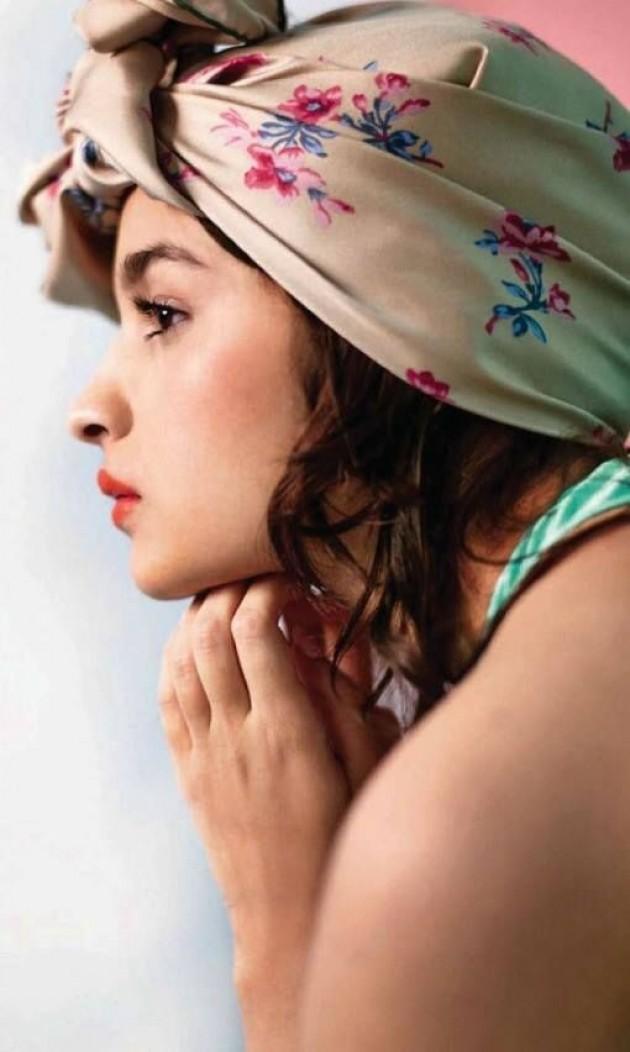 alia-bhatt-photoshoot-for-elle-magazine-january-2014- (4)