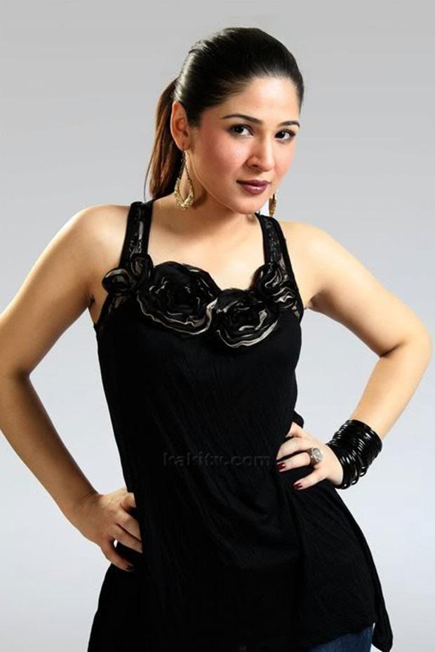 ayesha-omar-photos- (30)