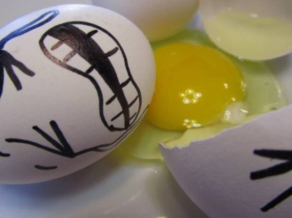 funny-eggs-expression- (22)