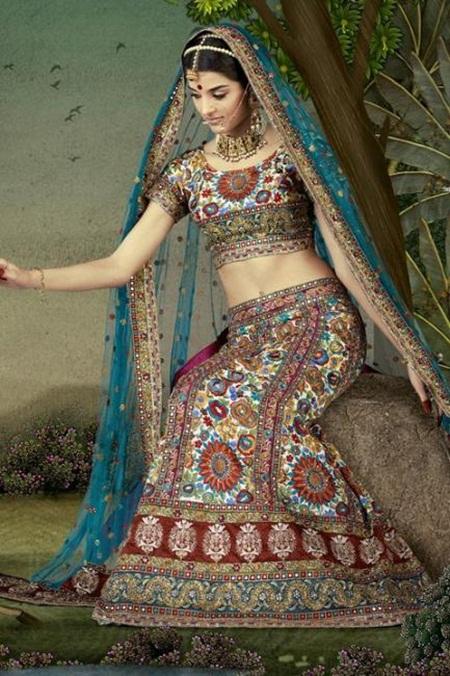 giselli-monteiro-in-indian-wedding-dresses- (1)