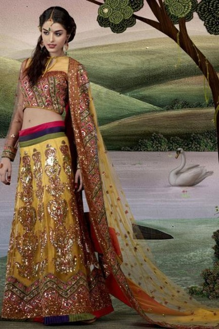 giselli-monteiro-in-indian-wedding-dresses- (6)