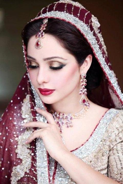 juggan-kazim-in-bridal-makeup- (2)