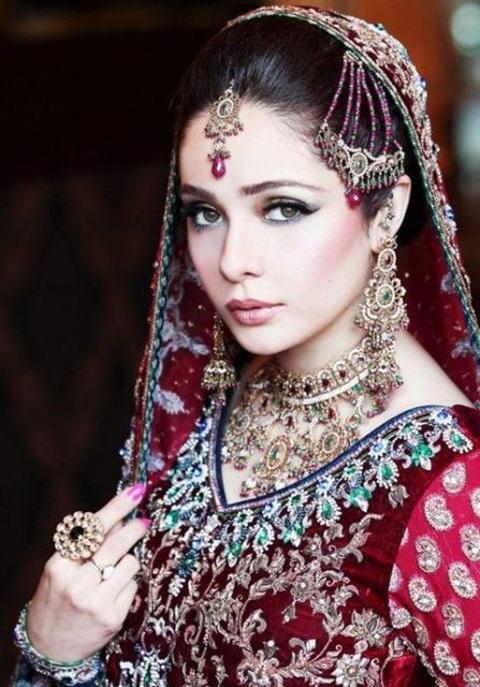 juggan-kazim-in-bridal-makeup- (8)