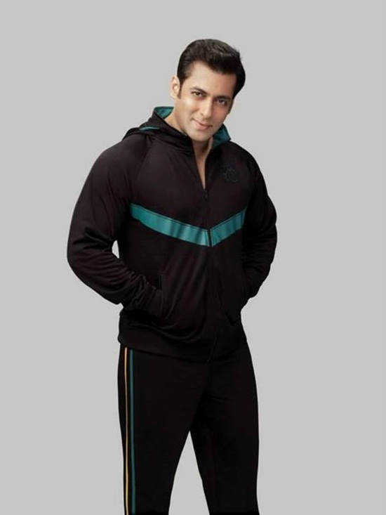 salman-khan-photoshoot-for-splash-winter-collection-2013-2014- (13)
