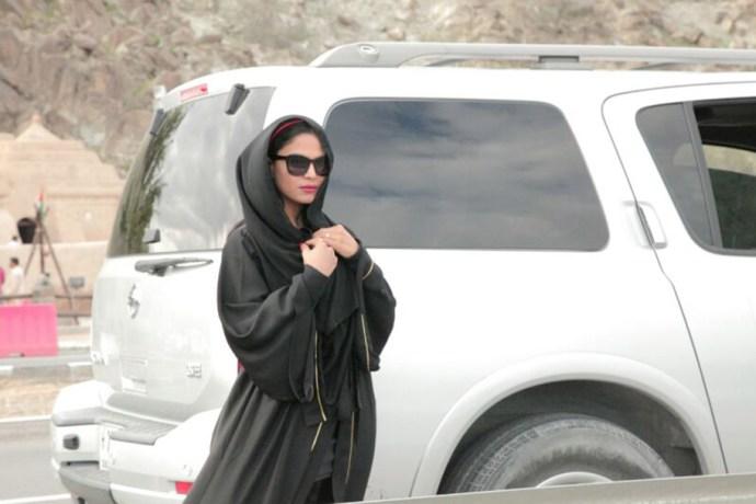 veena-malik-road-trip-with-husband-asad-bashir- (7)