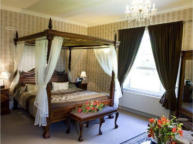luxury-bedroom-ideas-30-photos- (16)