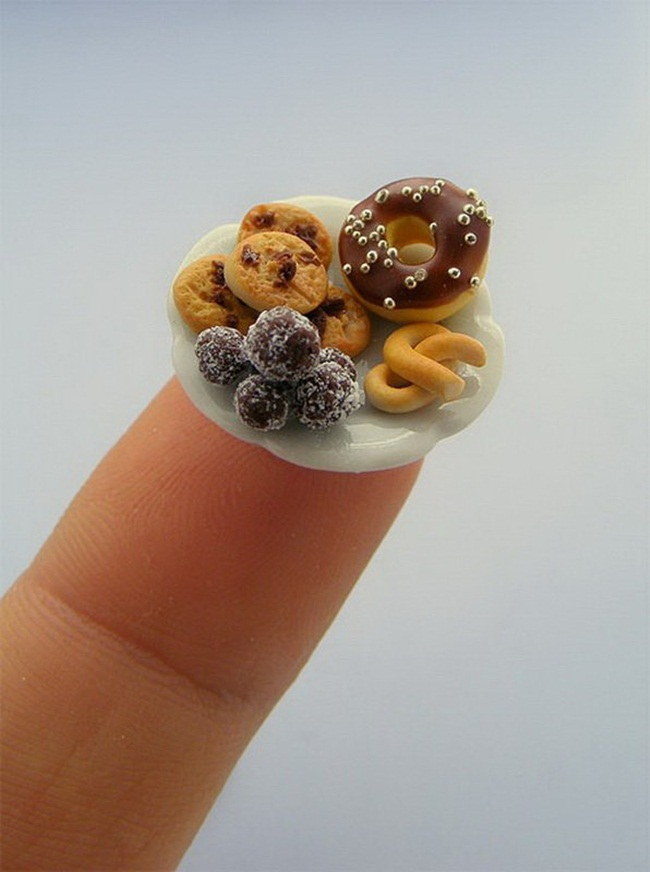 miniature-food-sculptures-by-shay-aaron- (18)