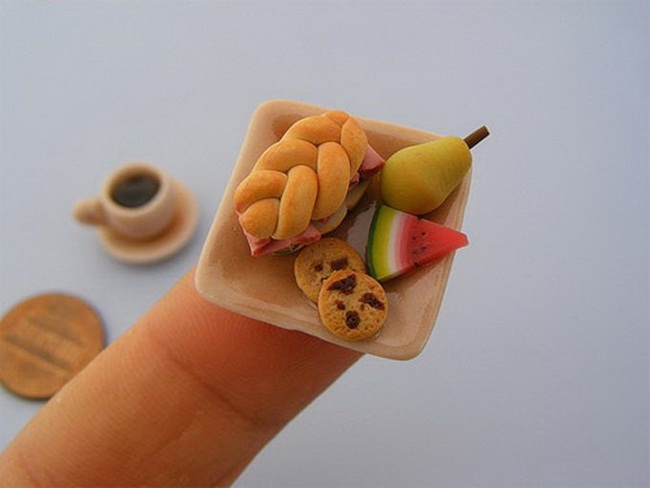 miniature-food-sculptures-by-shay-aaron- (19)