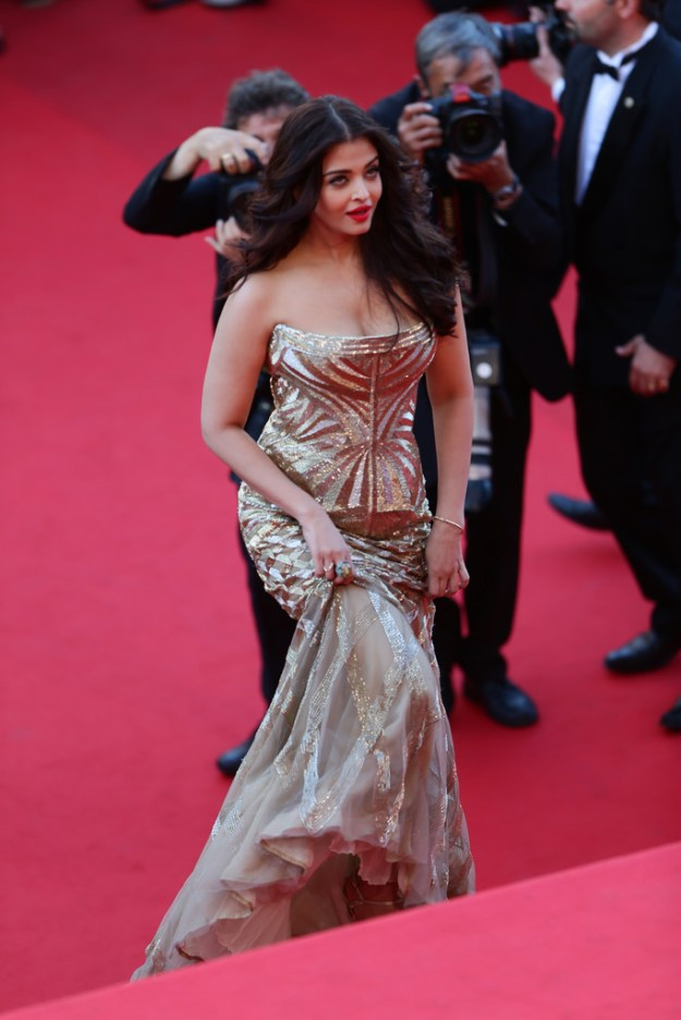 aishwarya-rai-at-cannes-film-festival-2014- (11)