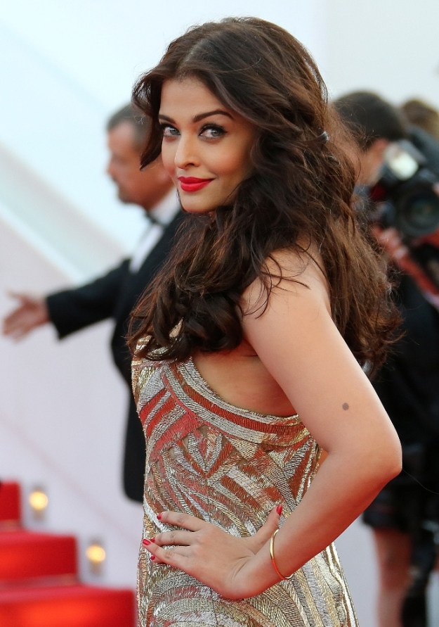 aishwarya-rai-at-cannes-film-festival-2014- (20)