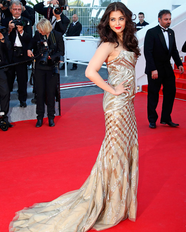 aishwarya-rai-at-cannes-film-festival-2014- (4)