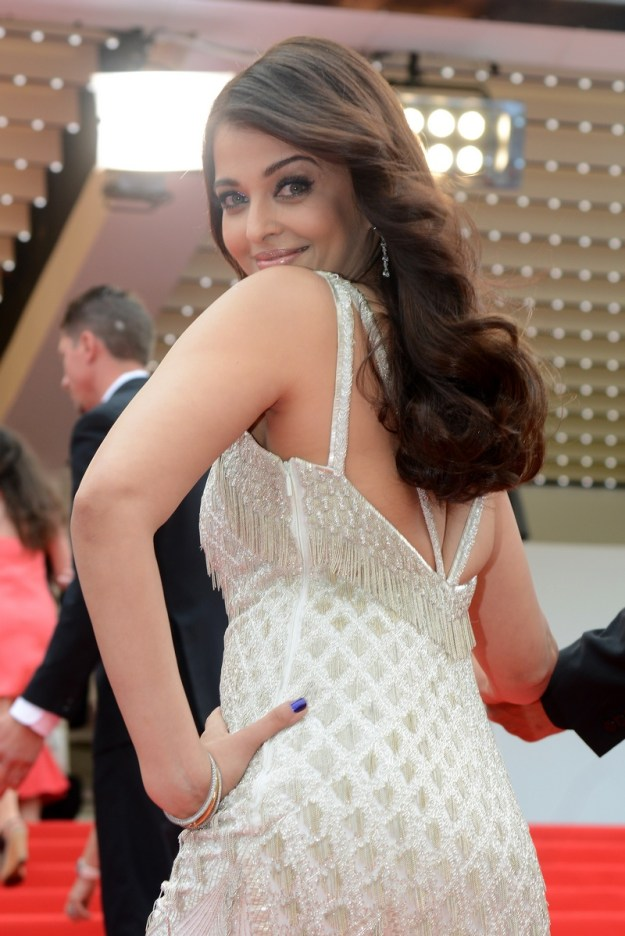 aishwarya-rai-at-cannes-film-festival-2014- (49)