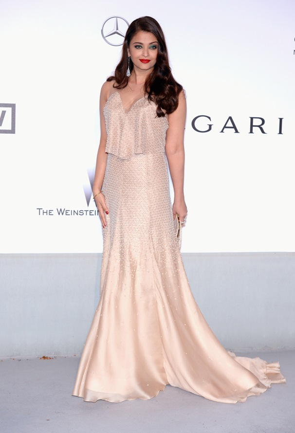 aishwarya-rai-at-cannes-film-festival-2014- (61)