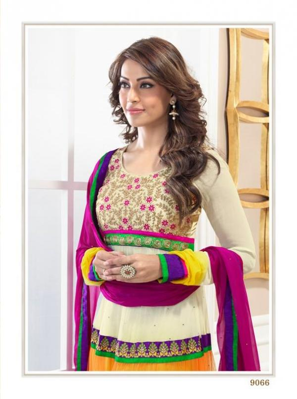 bipasha-basu-in-indian-anarkali-suits- (10)